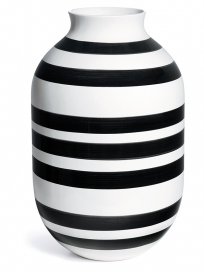 omaggio-vase-h500-black-11990-high-resol